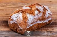 Walnussbrot, frisch gebacken - glutenfrei